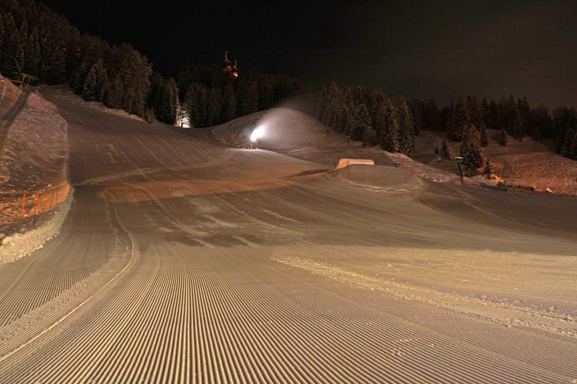 Ski slope Freina at night