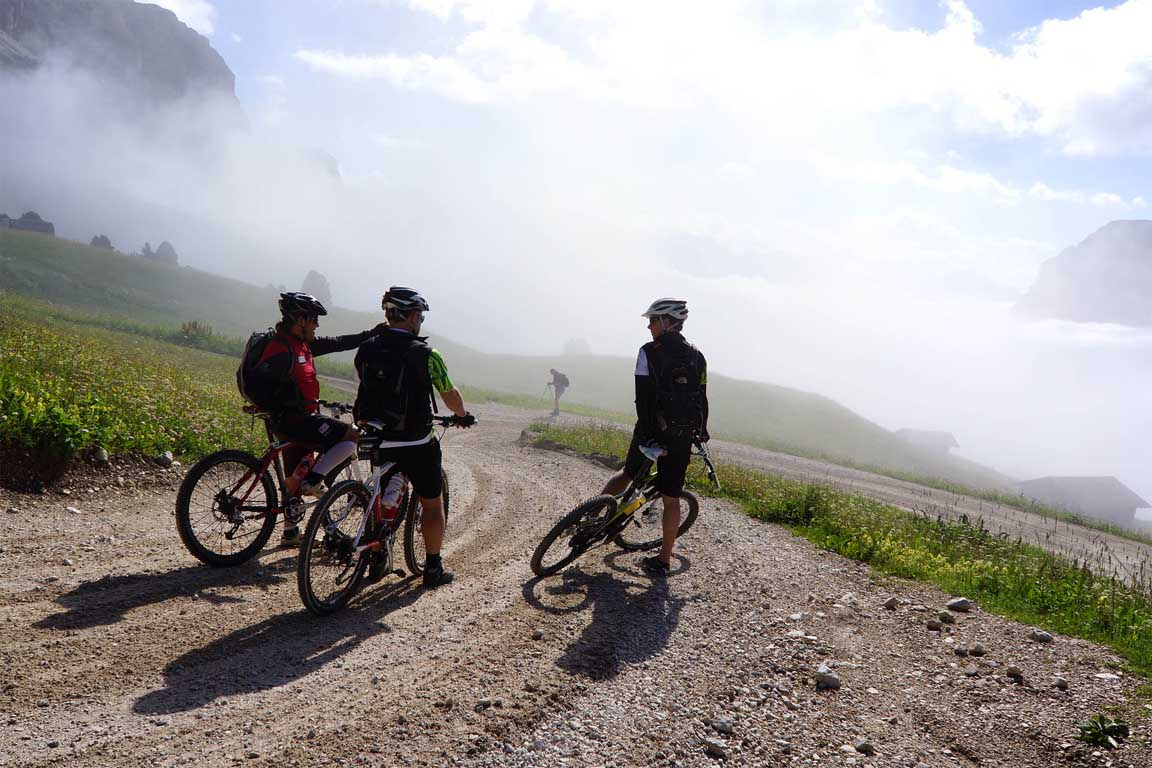 Sellaronda Hero MTB Track Tour in fog