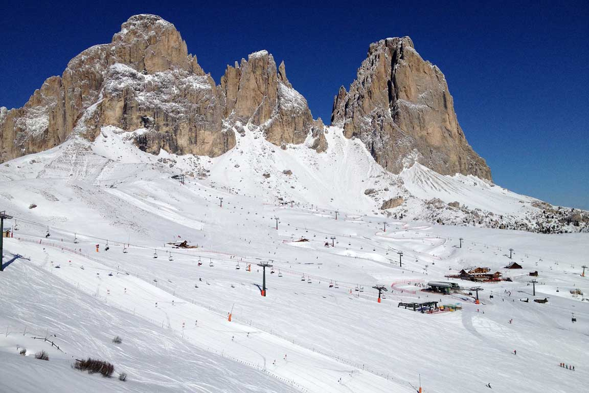 Sella Ronda: Sassolungo massif - Salei Hut and Fienile Monte Hut