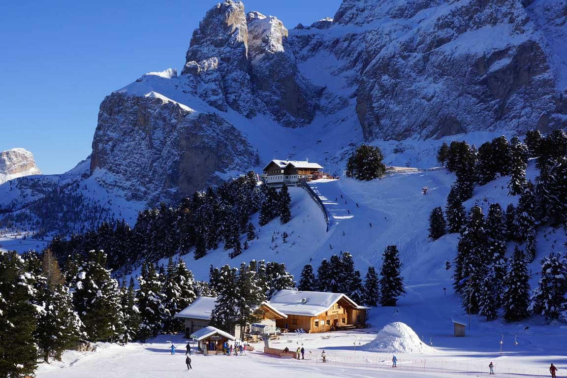 skifahren im februar fasching in wolkenstein in gr den. Black Bedroom Furniture Sets. Home Design Ideas