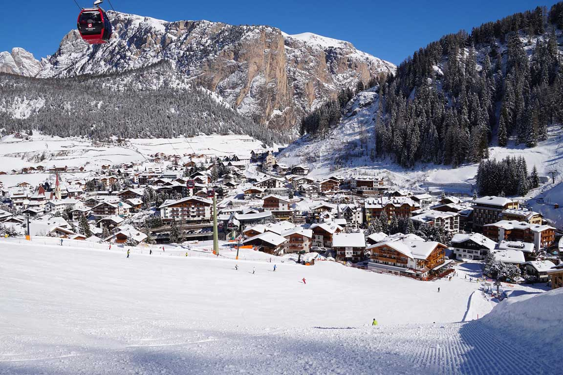 the new Garni Hotel Arya Alpine Lodge is located directly on the ski slope of the Sella Ronda