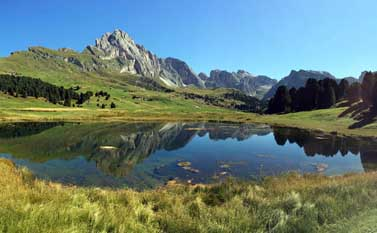 Walking holiday: Lech Sant on Seceda in autumn